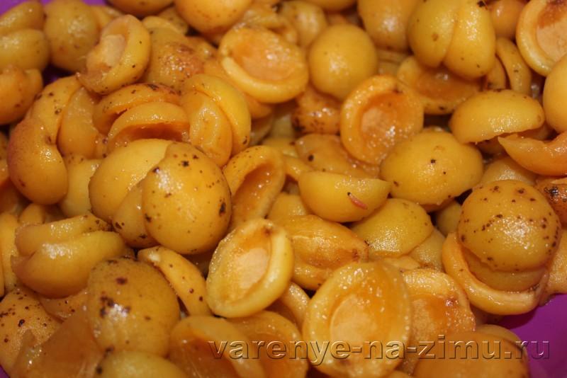 Джем из абрикосов простой рецепт на зиму с ванилью: фото 3