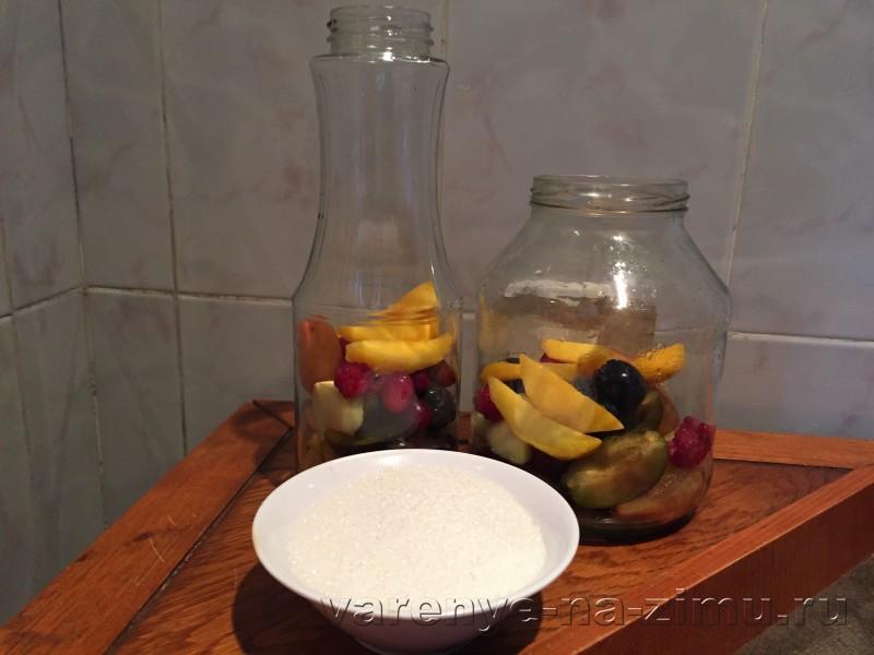 Компот ассорти из фруктов и ягод на зиму: фото 4