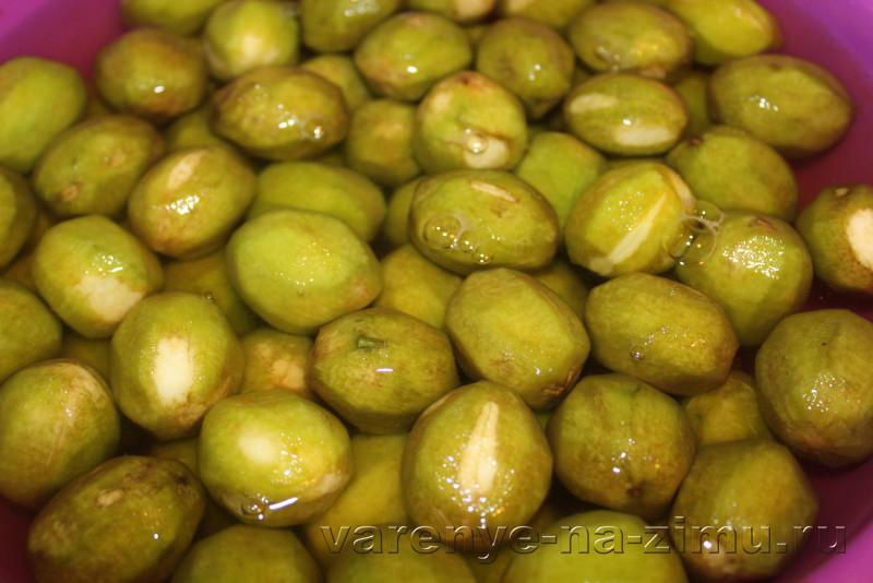 Варене из грецких орехов зелёных полза рецепт с кожурой: фото 3