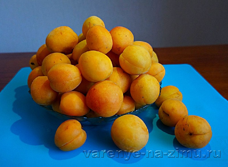 Варенье из абрикосов с ядрышками: фото 2