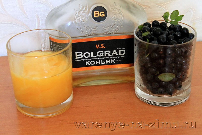 Варенье из черники с медом и коньяком: фото 1