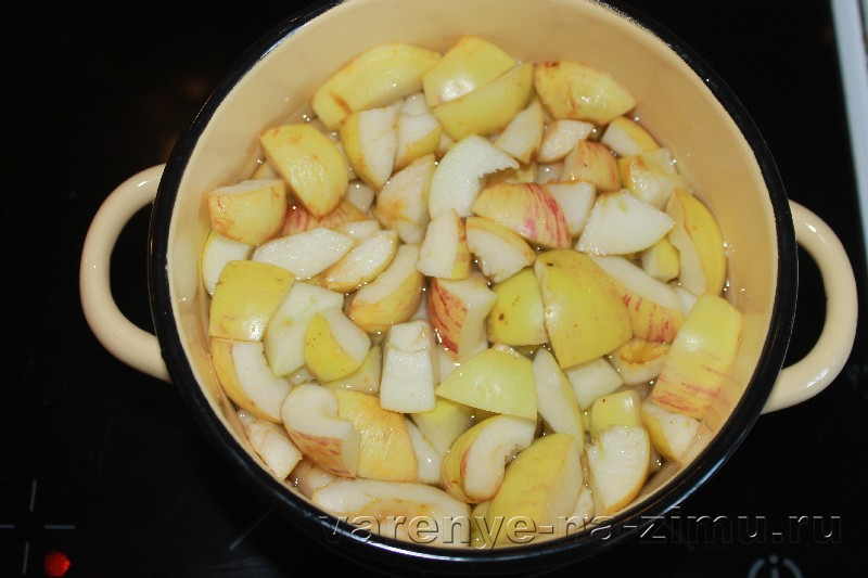 Варенье из черноплодной рябины с яблоками: фото 3