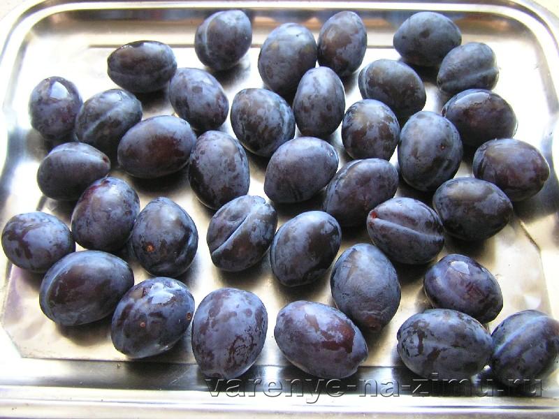 Варенье из чернослива без косточек с корицей: фото 1
