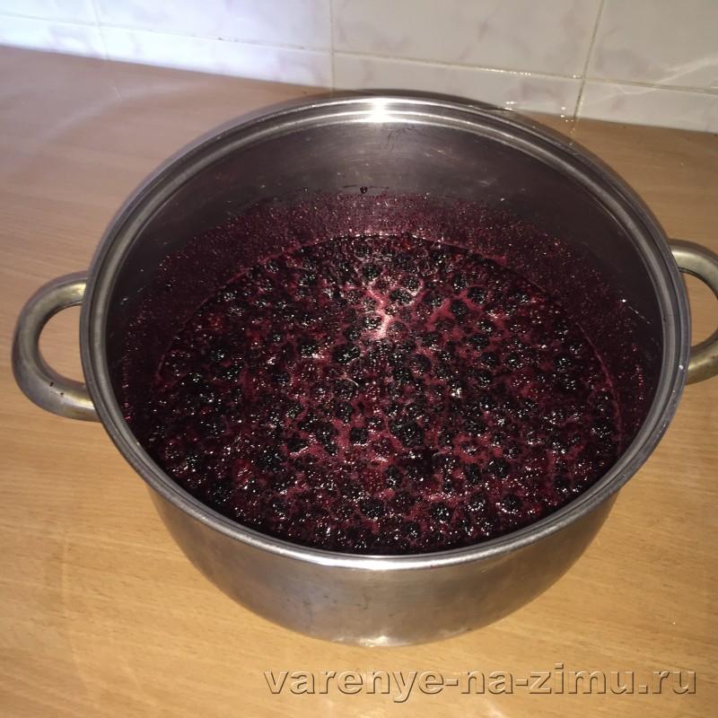 Варенье из ежевики с целыми ягодами густое: фото 3