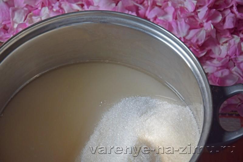Варенье из лепестков роз: фото 3