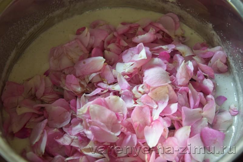 Варенье из лепестков роз: фото 4