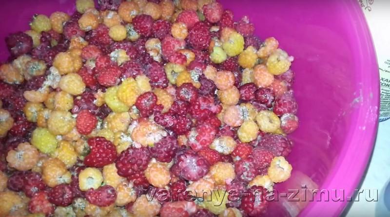 Варенье из малины с целыми ягодами: фото 1
