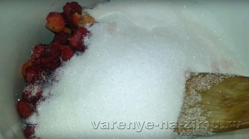 Варенье из малины с целыми ягодами: фото 2