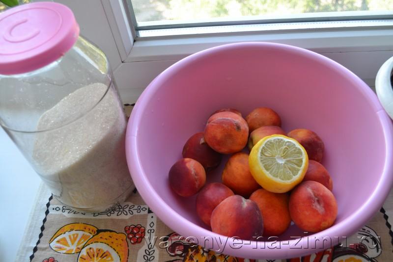 Варенье из персиков дольками пятиминутка без воды с лимоном: фото 1