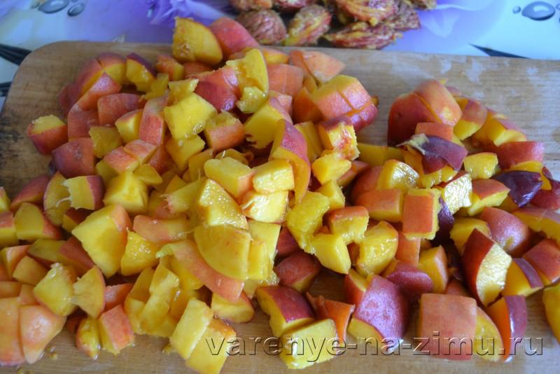 Варенье из персиков дольками пятиминутка без воды с лимоном: фото 3