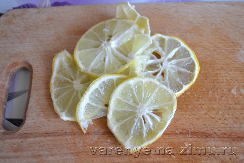 Варенье из персиков дольками пятиминутка без воды с лимоном: фото 4