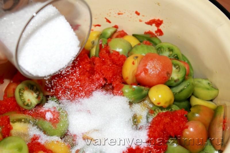 Зеленые помидоры на зиму простой рецепт в банках: фото 12