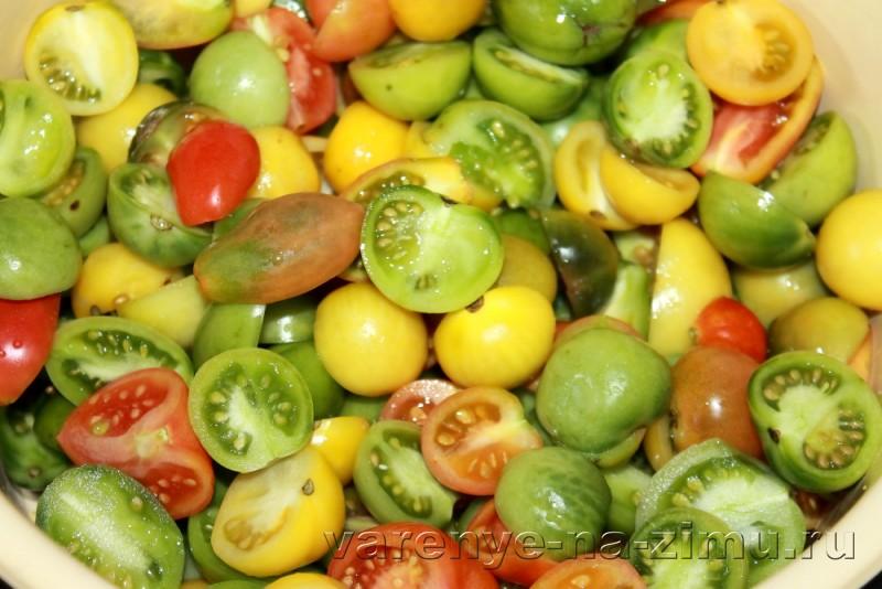 Зеленые помидоры на зиму простой рецепт в банках: фото 6