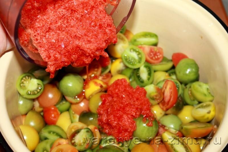 Зеленые помидоры на зиму простой рецепт в банках: фото 9