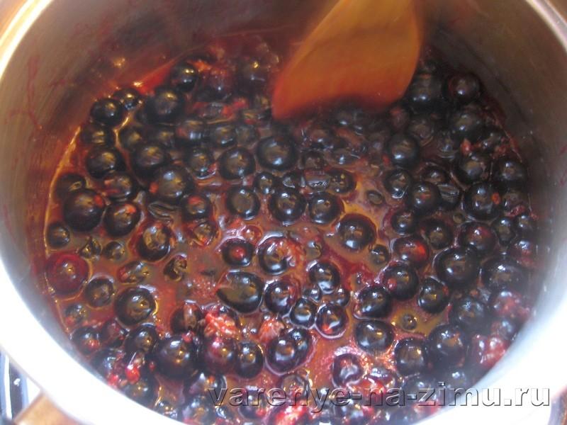 Желе из чёрной смородины без варки: фото 2